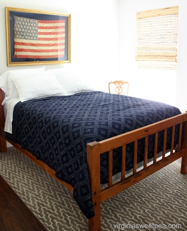 Guest Room with Americanna Theme at Smith Mountain Lake