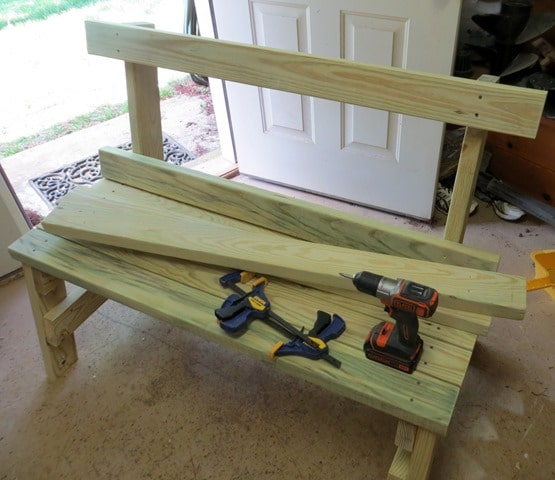 How to Make the Back of the DIY 2x4 Bench