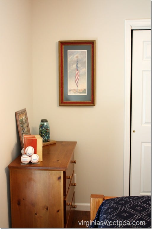 Lakehouse Tour - Guest Room with Americanna Decor
