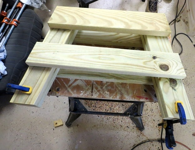 How to make legs for a DIY 2x4 bench