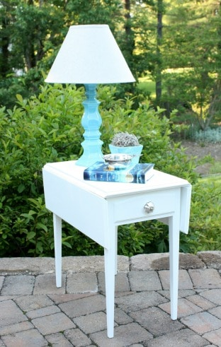A drop leaf table gets a makeover with paint.