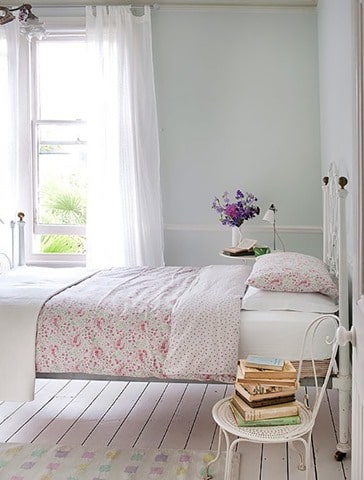 Cottage-chic-bedroom