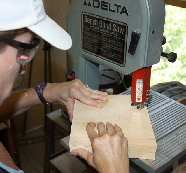 Cutting notches with band saw