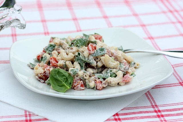 The Best BLT Salad - This is such a great recipe! virginiasweetpea.com