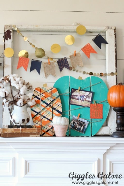 Fall-Mantel-Painted-Wood-Pallet-Pumpkins