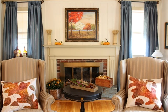 Fall Mantel and Living Room Decor - Get ideas for decorating your mantel and living room for fall. #fall #falldecor #fallvignette #falldecorating #fallmantel