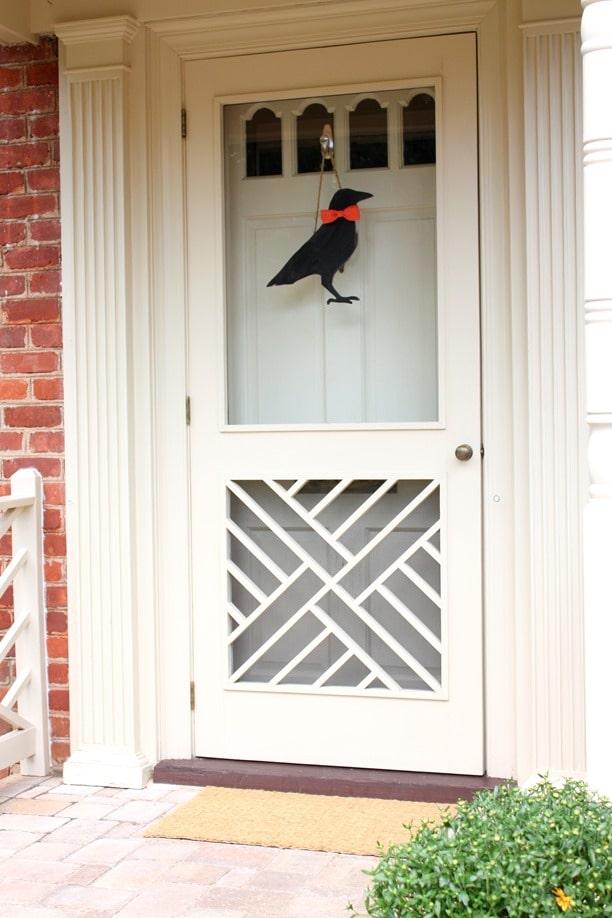 farmhouse-crow-decor-diy