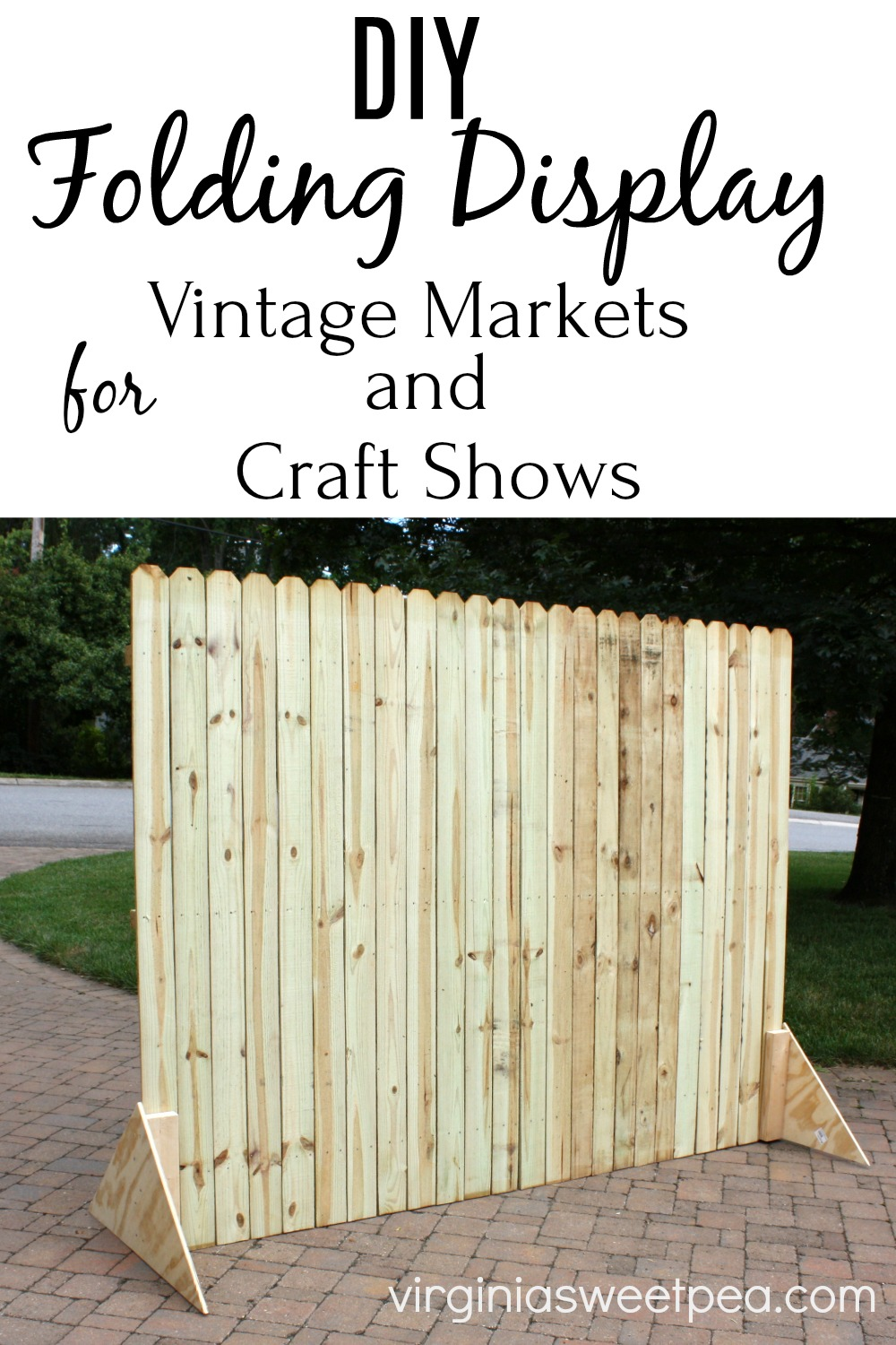 DIY Folding Display - Learn how to make a display that folds to use for craft shows or vintage markets. #foldingdisplay #woodworking #craftshowdisplay #showdisplay via @spaula