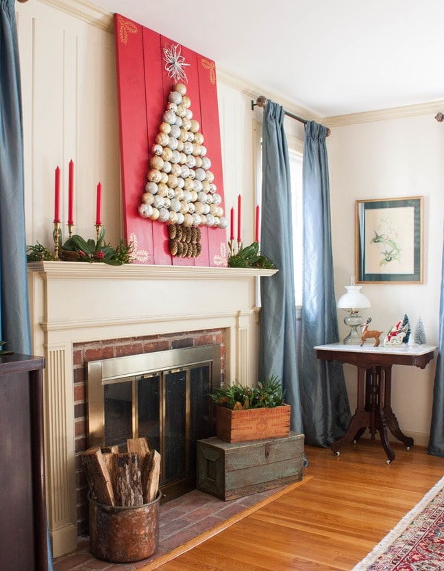 Learn How to Make a Holiday Ornament Display - virginiasweetpea.com