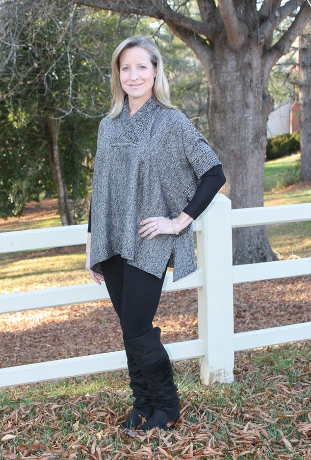 Stitch Fix Review January 2017 | RD Style Calandri Contrast Sleeve Ponch | virginiasweetpea.com