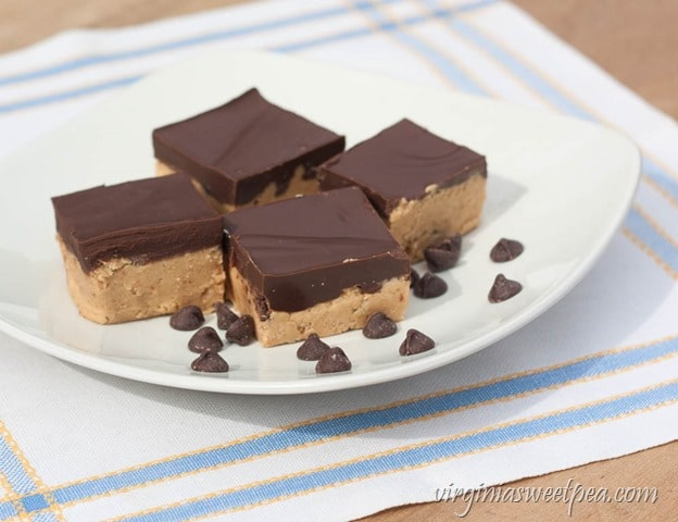 No Bake Peanut Butter Pretzel Squares - This recipe uses pretzel crumbs in the crust instead of the usual graham cracker crumbs. The combination of salty and sweet is irresistable! virginiasweetpea.com
