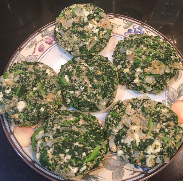 Spinach and Blue Cheese Burgers