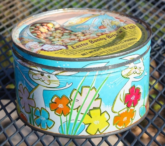 Mrs. Leland's Candy Tin from the early 1960's - virginiasweetpea.com