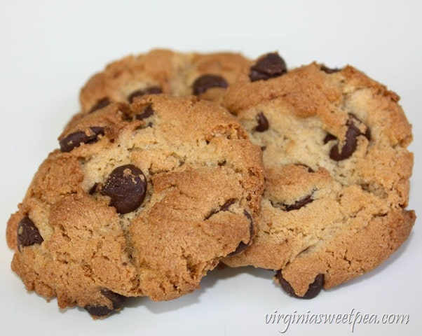 Peanut Butter Chocolate Chip Cookies - From the Amish Community Cookbook - virginiasweetpea.com