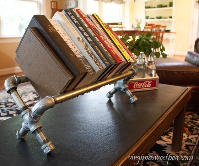 Bookshelf made with pipes.
