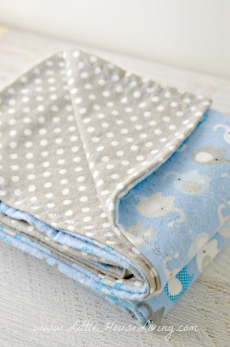 How to Make an Easy Receiving Blanket for a Baby