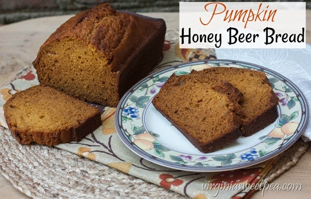 Pumpkin Honey Beer Bread - Perfect for fall, this bread combines the taste of pumpkin, honey, and beer into one yummy fall treat. Get the printable recipe at virginiasweetpea.com.  #pumpkinbread #pumpkinrecipe #pumpkin #fall #fallrecipe