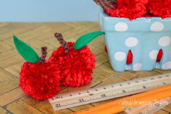 Easy Yarn Pom Pom Apples