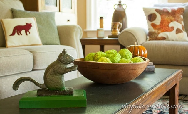 Fall Coffee Table Vignette - virginiasweetpea.com