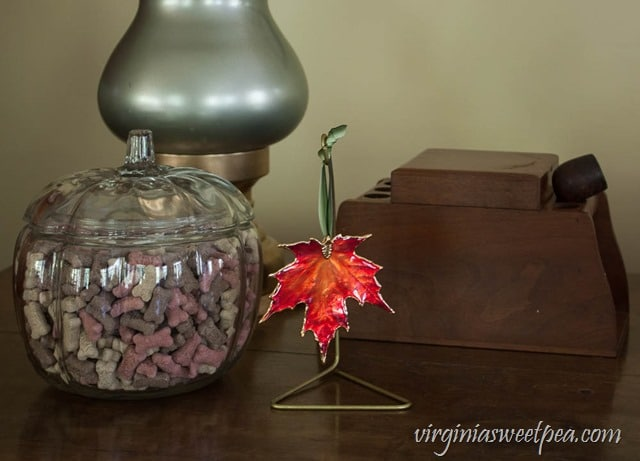 Fall Vignette with a Vintage Pipe and Tobacco Holder - virginiasweetpea.com