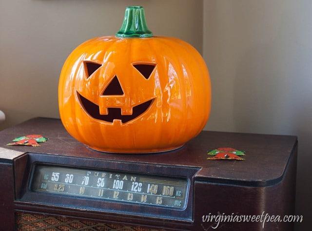 Halloween Ceramic Jack-O-Lantern