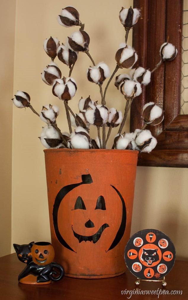 Vintage Inspired Halloween Decor