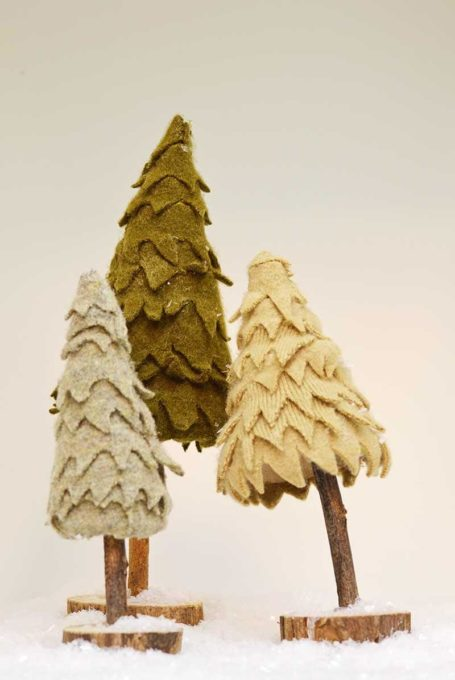 How to use sweaters to make felt christmas trees