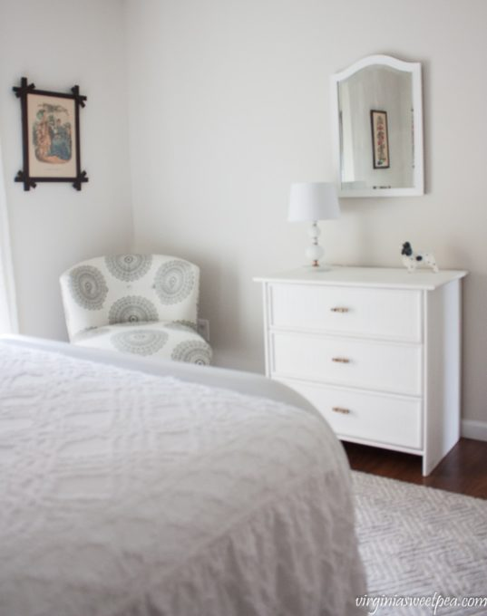 Perfect Vintage Inspired Guest Bedroom Decor at Smith Mountain Lake Virginia virginiasweetpea