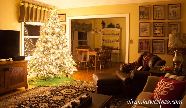 Christmas in the Family Room at Night - virginiasweetpea.com