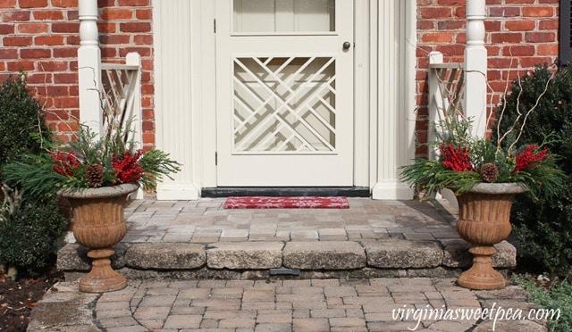 DIY Christmas Outdoor Planters I Step-by-Step Tutorial I virginiasweetpea.com