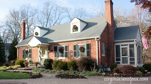 Christmas Outside - Southern Charm in Virginia - virginiasweetpea.com