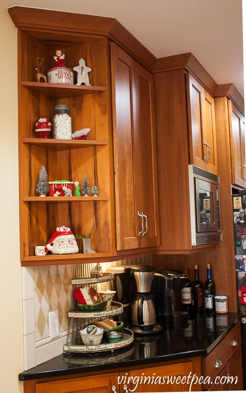 Vintage Christmas Shelves - See a kitchen decorated for Christmas with vintage finds. virginiasweetpea.com