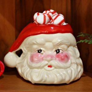 Vintage Santa Mug - Vintage Santa Candle - See a kitchen decorated for Christmas with vintage finds. virginiasweetpea.com