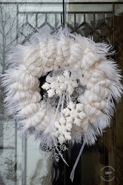 How to Make a Winter Wreath from a Scarf