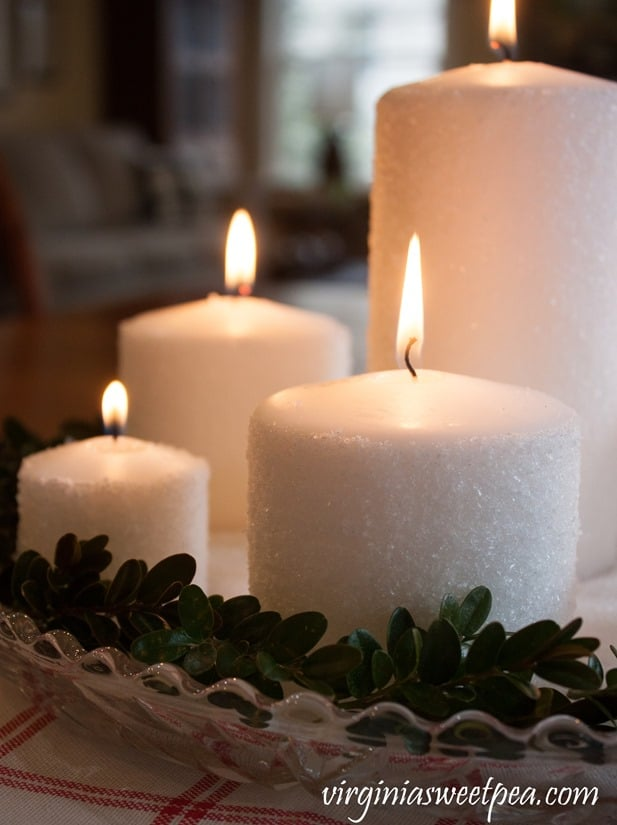 Easy Frosted Candles - Follow a step-by-step tutorial to learn how to make these for your home. - virginiasweetpea.com #candlecenterpiece #candle