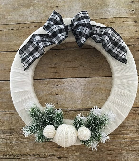 DIY Winter Wreath Using Yarn