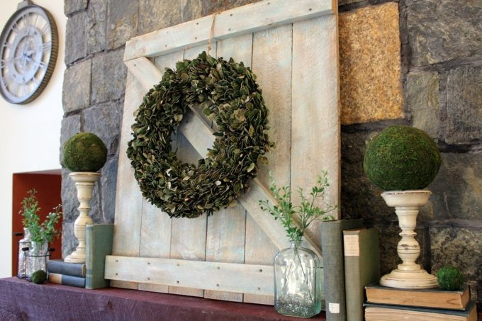 DIY Mini Barn Door to use on a Mantel