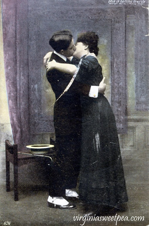 Vintage Romantic Postcard from 1907.