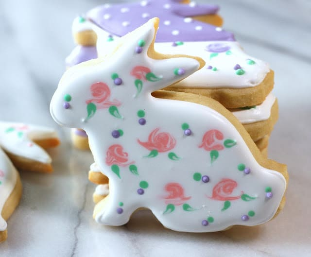 How to Decorate Beautiful Easter Cookies - Best of the Weekend Feature for March 30, 2018