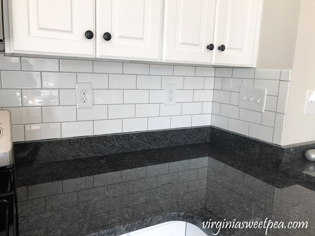 How to Install a Subway Tile Backsplash - #backsplash #subwaytile #smithmountainlake