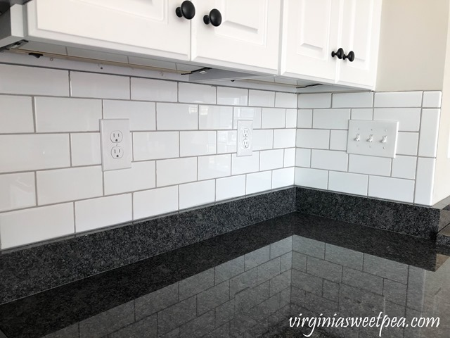 DIY Subway Tile Backsplash at Smith Mountain Lake - #subwaytile #backsplash #smithmountainlake