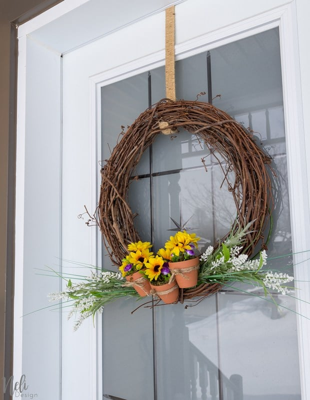 How to Make a Terracotta Pot Spring Wreath - Best of the Weekend Feature for April 20, 2018
