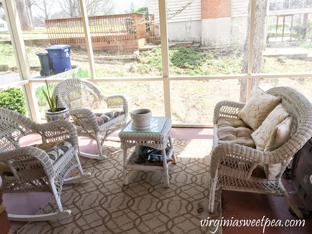 Wicker Porch Furniture Makeover - Before