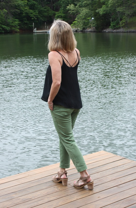 Stitch Fix Review for June 2018 - Chloe Oliver Caliope Blouse with Lila Ryan Kati Chino Cargo Straight Leg Pant. #stitchfix #stitchfixsummer #summerfashion #fashionover40