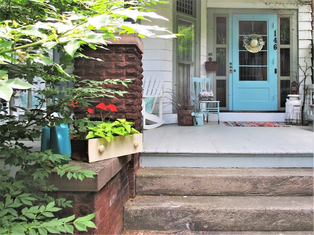 Front Door Makeover - Best of the Weekend Feature for June 15, 2018