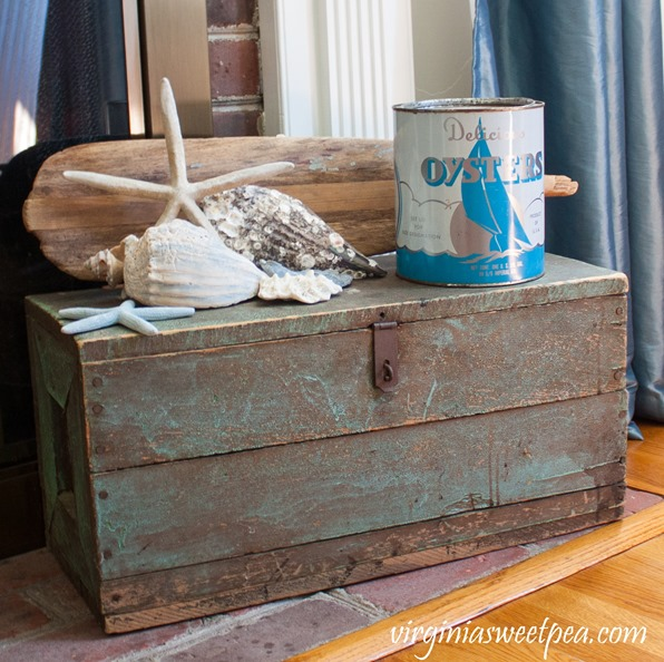 Beach decor for summer using vintage