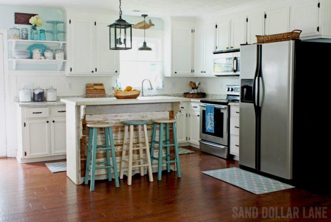Coastal Farmhouse Kitchen Reveal - Best of the Best Coastal DIY Decor Round-up. Get over a dozen coastal project decor ideas that you can make for your home. #coastal #coastaldecor #coastaldiy