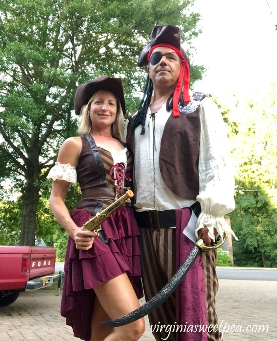 Pirate Days at Smith Mountain Lake - Couples Pirate Costume #piratecostume #pirate #smithmountainlake #sml #piratedays #smlpiratedays #halloweencostume