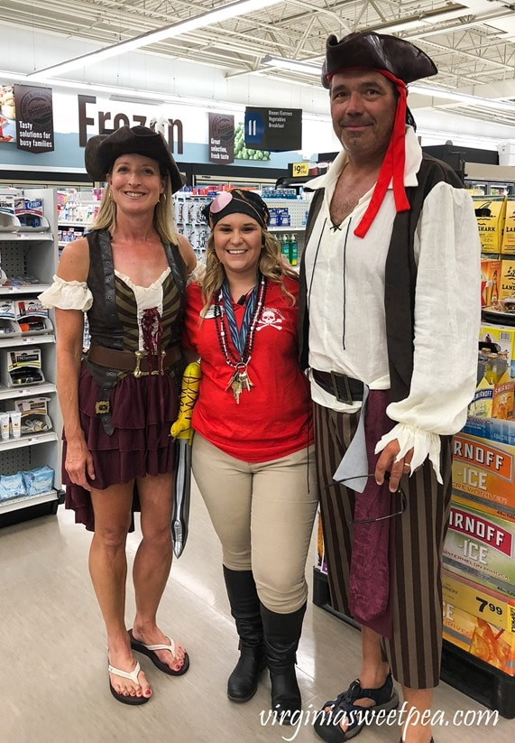 Pirate Days at Smith Mountain Lake - Food Lion Pirates #smithmountainlake #sml #piratedays #smlpiratedays #foodlion