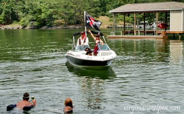 Pirate Days at Smith Mountain Lake - Skulina Pirate Family #smithmountainlake #sml #piratedays #smlpiratedays #shermanskulina